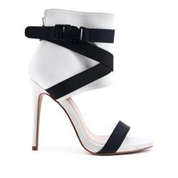 Sandale montante blanche à talon