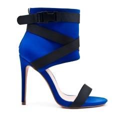 Sandale montante bleu à talon