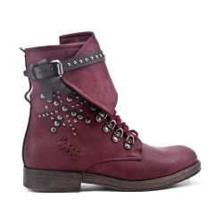 Red boot in faux leather lace