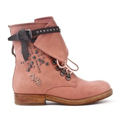 Pink leatherette boot with lace