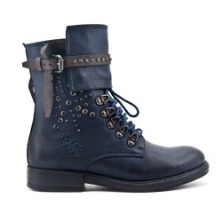 Blue leatherette boot with lace