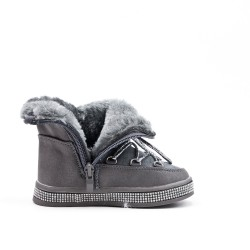 Furry gray girl boot with sole embellished with rhinestones