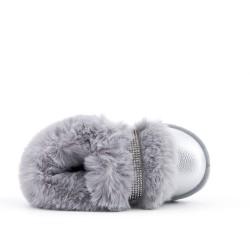 Zapato gris peludo para niña
