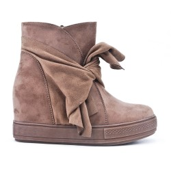Khaki ankle boot with bow suede