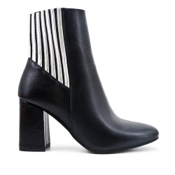 Black imitation leather boot with elastic detail