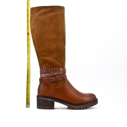 Bi-material camel boot with heel