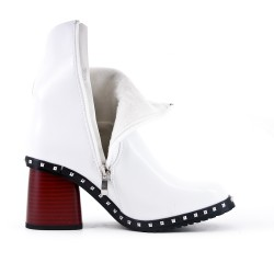 White boot in faux leather with heel