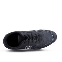 Black basket with lace platform