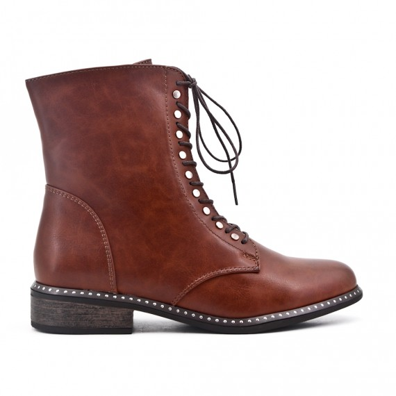 Camel boot in faux leather lace