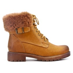 Camel boot with lace