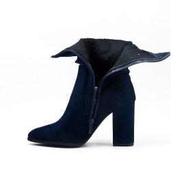 Blue ankle boot in faux suede with heel