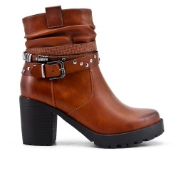 Camel boot in imitation leather with heel