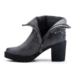 Gray leatherette boot with heel