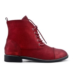Red boots with lace rhinestones