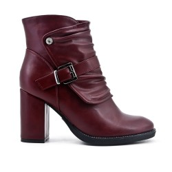 Red boot in imitation leather with heel