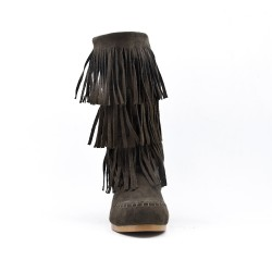 Brown buckskin boot with bangs