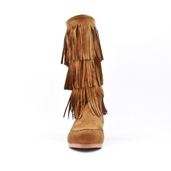 Camel buckskin boot with bangs