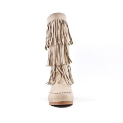 Beige buckskin boot with bangs