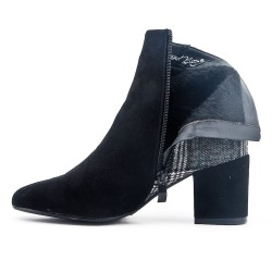Black ankle boot with check pattern with heel