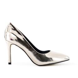 Golden pump with high heels