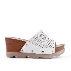 White wedge clasp in imitation leather