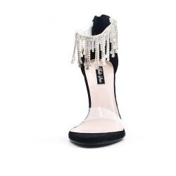 Sandale noire à bijoux