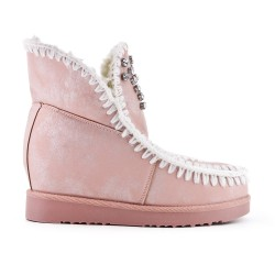Ankle boot with pink rhinestone