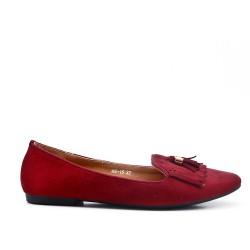 Red moccasin in faux suede with bangs
