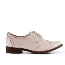 Derby in beige lacquer with lace