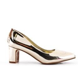 Golden pump in patent heel