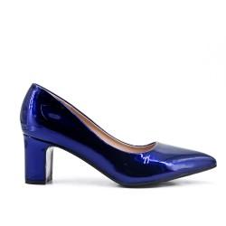 White pumps in heel