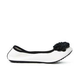 White comfort ballerina with black flower pattern