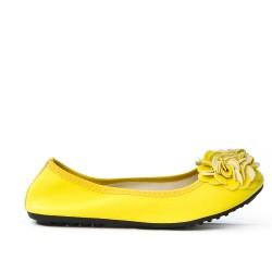 Bailarina de confort amarillo con estampado de flores