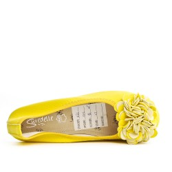 Yellow comfort ballerina with flower pattern