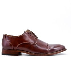 Cognac Derby in faux leather lace