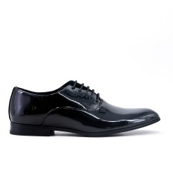 Derby in black lacquer with lace
