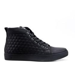 Zapatilla deportiva negra con encaje