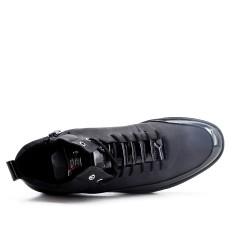 Basket montante noire à lacet