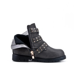 Gray girl boot with buckled bridle