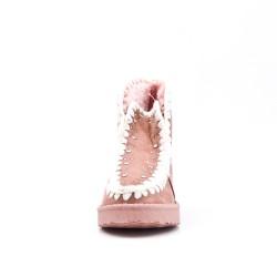 Bota rosa de niña con pelaje