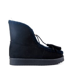 Black girl boot with fur