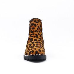 Bota de leopardo con panel elástico