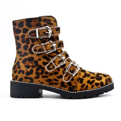 Leopard boot with flanged buckle