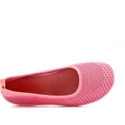 Pink shoe in stretch textile