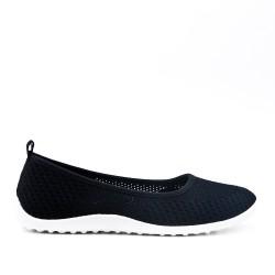 Black shoe in stretch textile