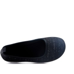 Black shoe in stretch textile