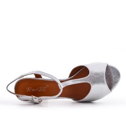 Shiny silver sandal with heel