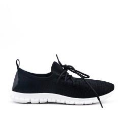 Chaussure noir en textile extensible à lacet
