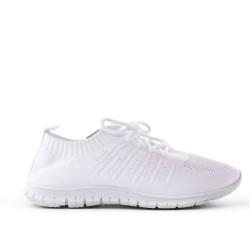 Chaussure blanche en textile extensible à lacet