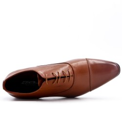 Tan derby with elongated tip